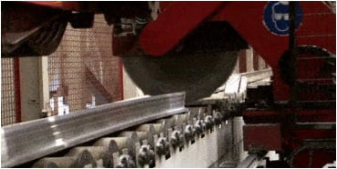 Extrusions material are sheared to table length